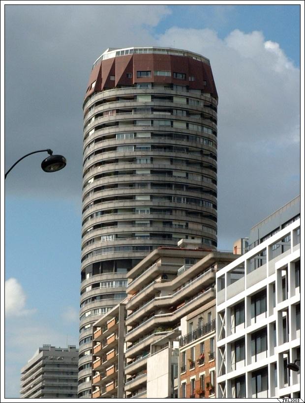http://jrlegallais.free.fr/photos/villes/paris/superitalie/Super_Italie-20030525-001-Avenue_d'Italie-JRL.jpg